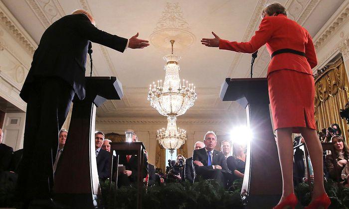 Kim Darrochs Zeit (hier als Zuschauer bei einer Pressekonferenz von Donald Trump und Theresa May im Weißen Haus) als Botschafter in Washington ist vorbei.