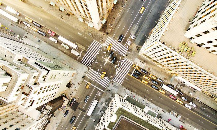 Ein Bild mit Seltenheitswert: Normalerweise versinkt New York im Verkehr.