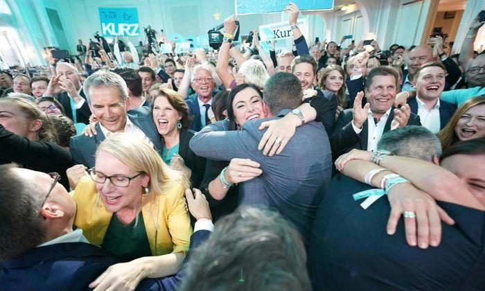 Ende Mai war die ÖVP-geführte Regierung abgesetzt worden. Umso mehr jubelten am Sonntag auch Hartwig Löger, Karoline Edtstadler, Elisabeth Köstinger und Margarete Schramböck über den Wahlerfolg.