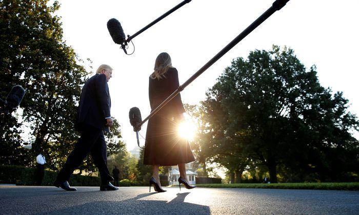 US-Präsident Donald Trump und Gattin Melania bei der Abreise von Washington nach Las Vegas.