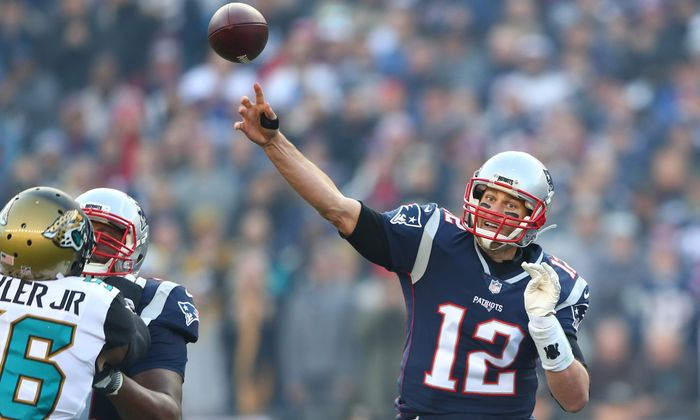 Tom Brady: typische Handbewegung, das übliche Resultat – die Patriots gewinnen.