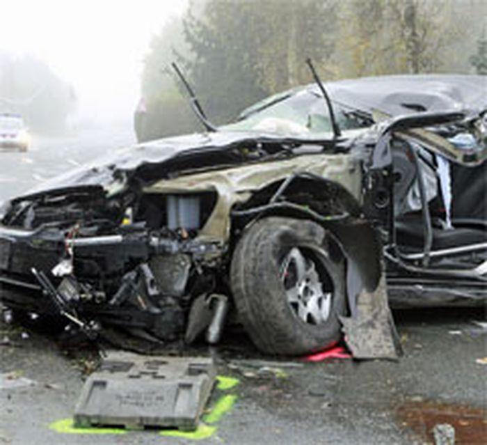 Jörg Haiders Dienstwagen nach dem Unfall