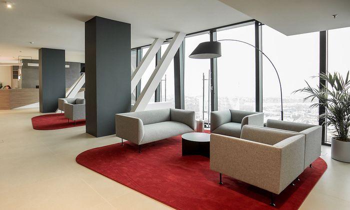 Der neue Empfangsbereich von PwC Österreich im DC Tower 1.