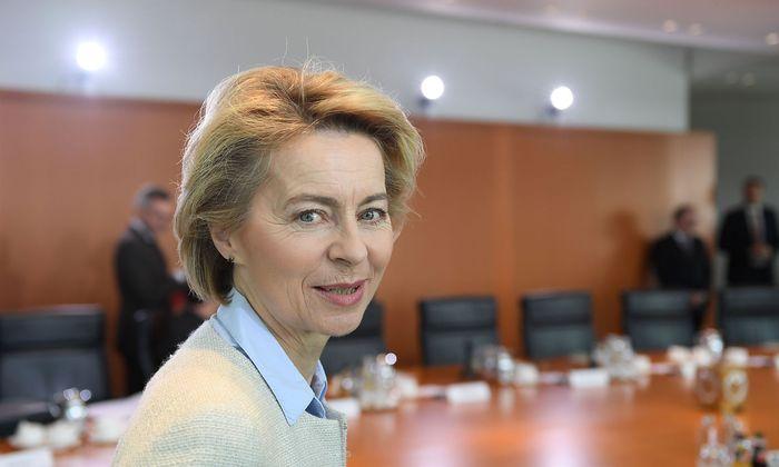 Von der Leyen am Rande einer Kabinettsitzung im März in Berlin.