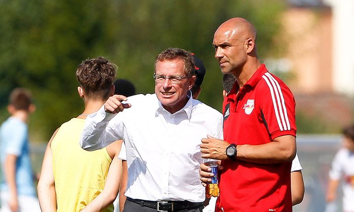 Letsch (rechts) mit dem damaligen Salzburg-Sportdirektor Ralf Rangnick auf einem Archivbild aus dem Jahr 2013