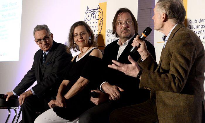 Drei Forscher, ein Journalist: Diskussion um die Botschafter der Wissenschaft.