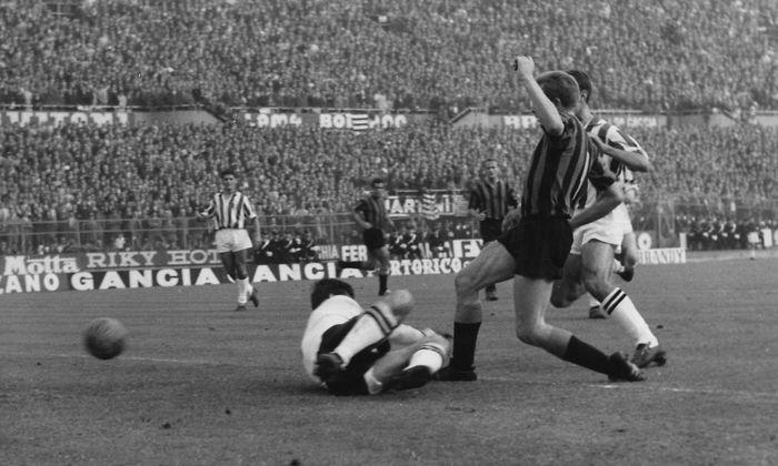 """25. Oktober 1961: Inter Mailand schlägt die """"Alte Dame"""" Juventus in Turin mit 4:2."""