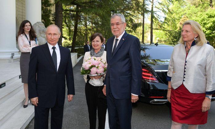 Putin empfing Van der Bellen und dessen Frau, Doris Schmidauer, sowie Außenministerin Karin Kneissl.