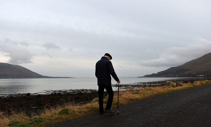 Die irisch-nordirische Grenze ist 500 Kilometer lang, kreuzt Weiler, Teiche, Straßen und gilt als schwierig zu kontrollieren: Es gibt mehr als 200 Übergänge.