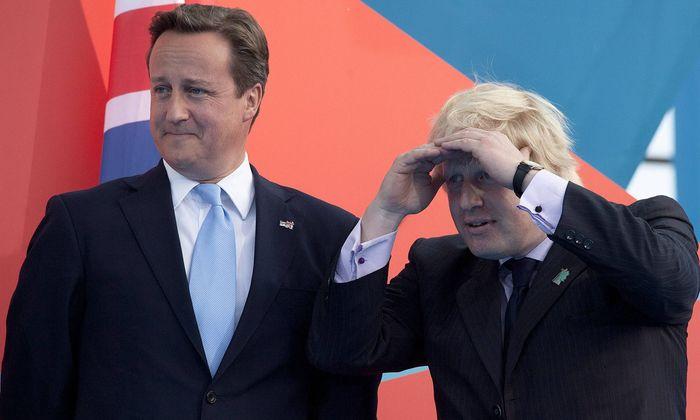 """Parteikollege David Cameron bezeichnet Boris Johnson als """"Lügner"""", dem es in der Brexit-Frage nur um seine Karriere gehe."""