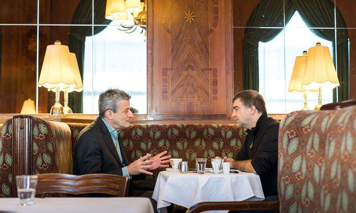 """Das Kopftuchverbot hält vor dem VfGH"", sagt Stefan Hammer (l.) im Gespräch mit ""Presse""-Redakteur Erich Kocina."