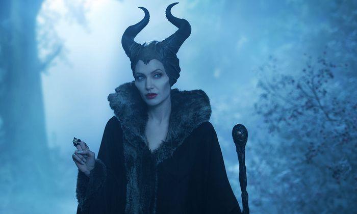 """Dämonisch und liebevoll, kurzum hinreißend: Angelina Jolie als gehörnte Fee in """"Maleficent 2""""."""