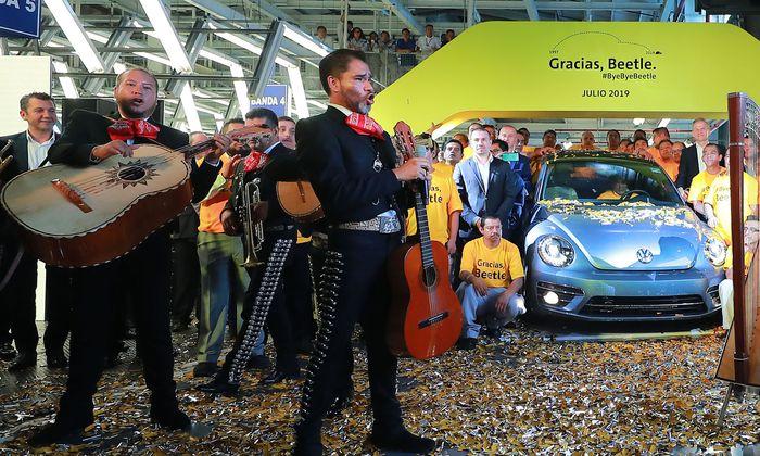Der letzte Beetle wurde im mexikanischen VW-Werk gebührend verabschiedet