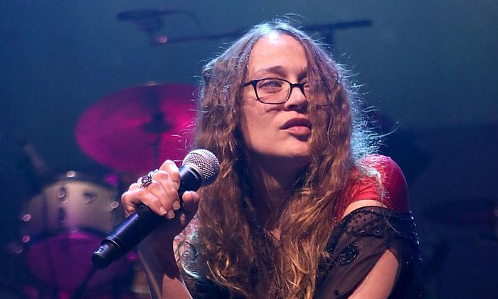 "Fiona Apple: ""Your Molecular Structure""."