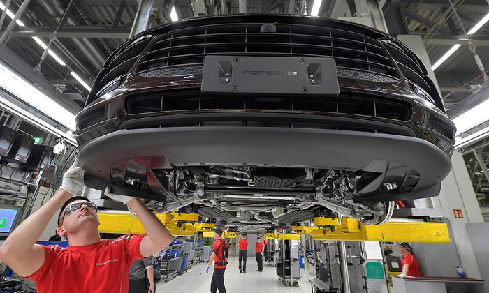 FILE PHOTO: Photo tour at Porsche plant in Leipzig