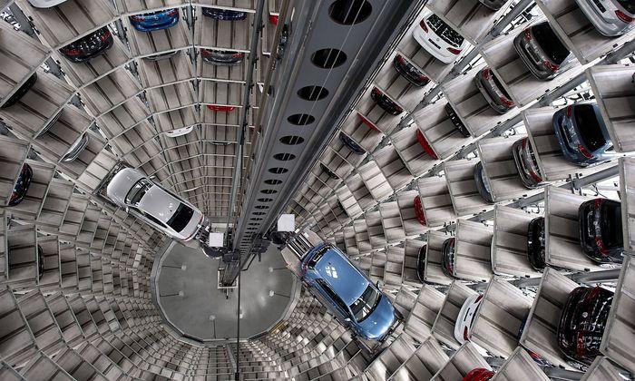 Autostadt Volkswagen AG Deutschland Germany Wolfsburg Niedersachsen Lower Saxony 28 04 2016 In