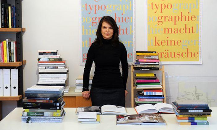 Designer gehen Buchfuehlung