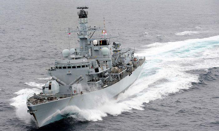 """Britische Fregatte """"Montrose"""": Warnung an iranische Boote"""