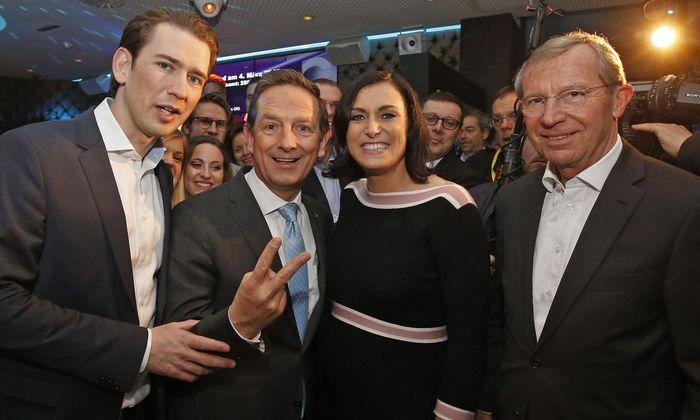 Bundeskanzler Kurz, ÖVP-Spitzenkandidat Benger, Landwirtschaftsministerin Köstinger, Salzburger Landeshaupmann Haslauer bei der Wahlfeier am 4. März 2018