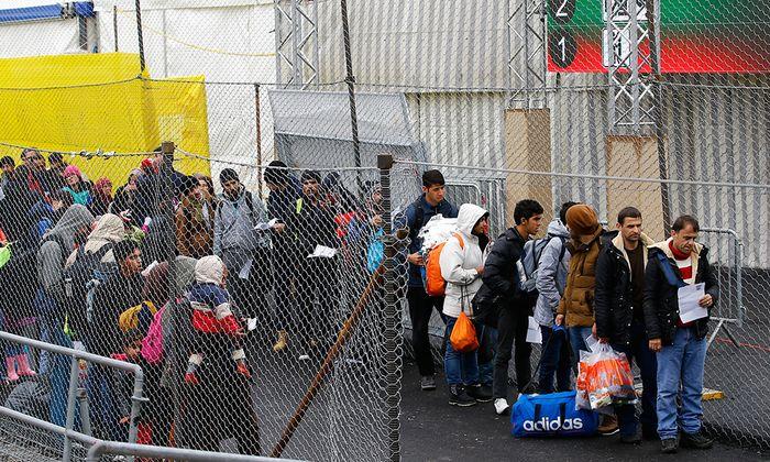 Zahl der Asylanträge in Österreich leicht gestiegen