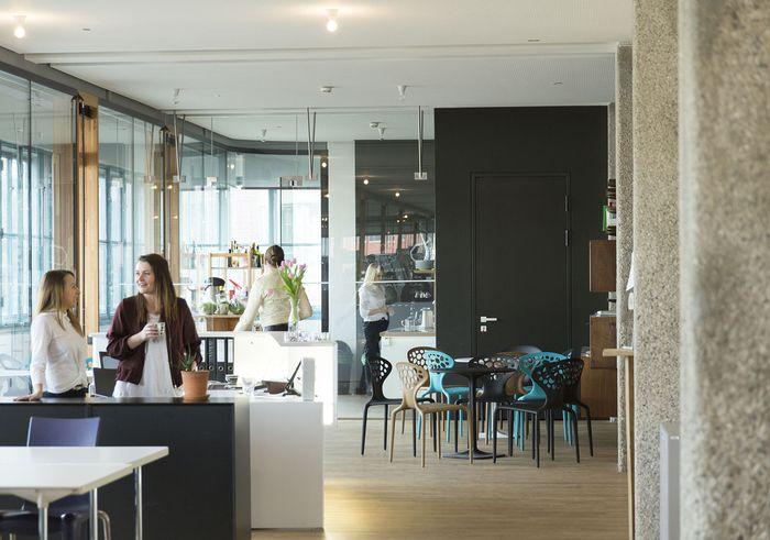 Man trifft sich, quatscht und arbeitet in Ruhe: Coworking-Büros wie das Axis in der Linzer Tabakfabrik.