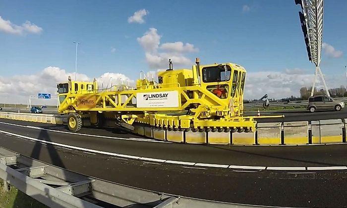 ASFINAG: Baustart auf der Tangente - Road Zipper sorgt fuer flexible Spuraenderungen und mehr Sicherheit