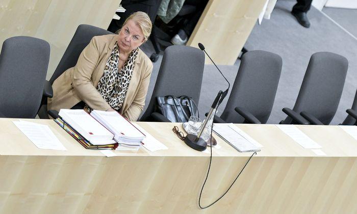 Gesundheitsministerin Beate Hartinger-Klein (FPÖ) im Nationalrat