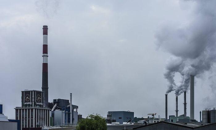 Archivbild: Eine Fabrik der Lenzing AG in Lenzing, Oberösterreich.
