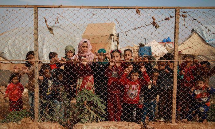 Die großen Verlierer der Umwälzungen in Syrien sind die mehr als 130.000 Zivilisten, die vor den türkischen Truppen geflohen sind.