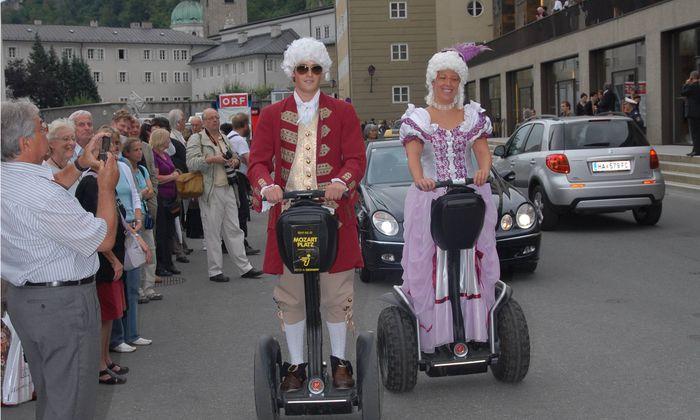 Mozart-Darsteller mit Segway