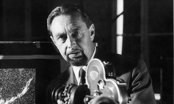 """""""Ich hatte erreicht, was ich wollte. Nun interessierte mich: Was liegt dahinter? Was bedeutet unser Leben?"""" Hans Hass, geboren am 23. Jänner 1919 in Wien."""