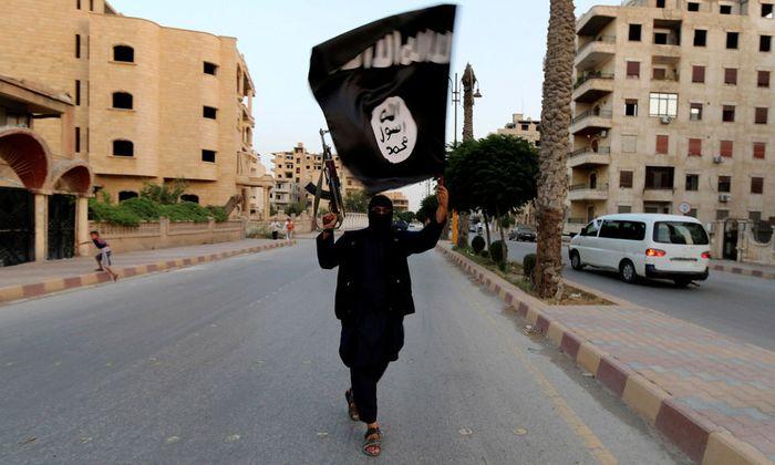 Archivbild: IS-Terrorist in Raqqa