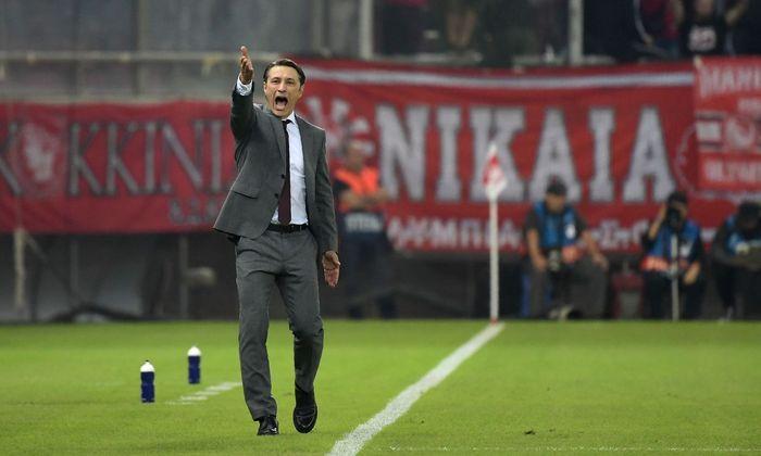 Niko Kovaˇc schrie, gestikulierte, die Bayern siegten in Piräus auch – aber erneut herrschte nach Abpfiff keine Freude darüber.