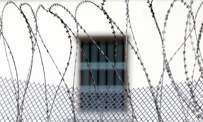 Österreichs 28 Haftanstalten sind chronisch überfüllt. Vollzugs-General Friedrich Koenig fordert mehr Justizwache-Personal.