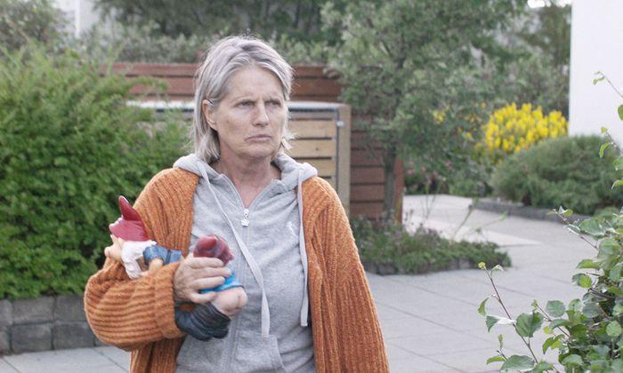 Emotionale Männer sind für Inga (Edda Björgvinsdóttir) Waschlappen.