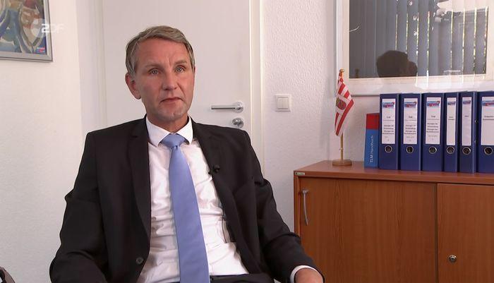 """Björn Höcke: """"Wir beenden das Interview. Nur dann ist klar: Wir wissen nicht, was kommt. Dann ist klar, dass es mit mir kein Interview mehr für Sie geben wird."""""""