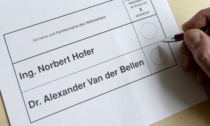 Symbolbild: Stimmzettel von der ersten Stichwahl