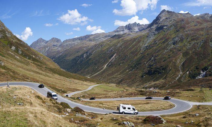 Beim Camping geht's nicht direttissima von einem Platz zum nächsten, sondern gemächlich: mit Stopps für Wanderungen, Passstraßen, Aussichtspunkten.