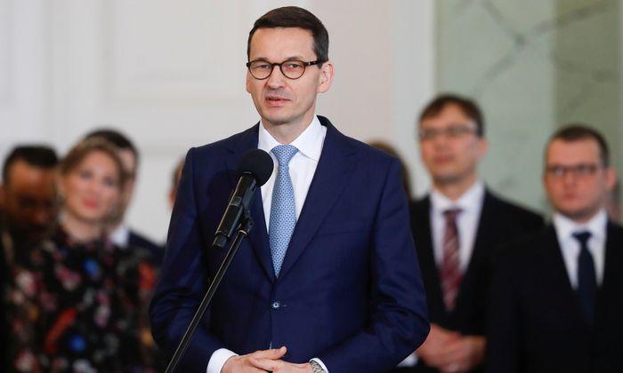 Polens Premierminister Mateusz Morawiecki stellt sein neues Team vor.