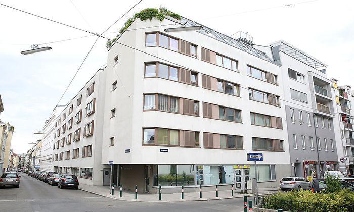 In diesem Gewog-Bau in Hernals kaufte Karl Wurm ein Penthouse. Es war billiger als die Wohnungen der Nachbarn.