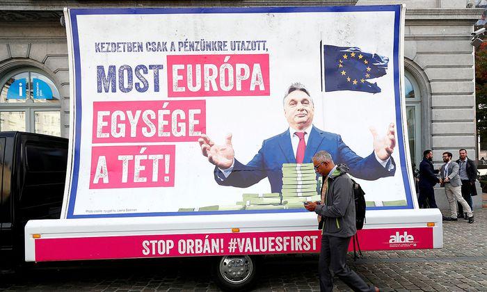 Europas Liberale machen in Brüssel Stimmung gegen Ungarns Premierminister, Viktor Orbán.