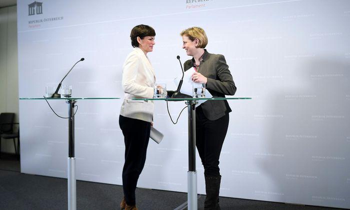 Pamela Rendi-Wagner und Beate Meinl-Reisinger bei der gemeinsamen Pressekonferenz