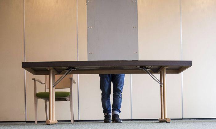 Symbolbild: Bei der Stimmabgabe