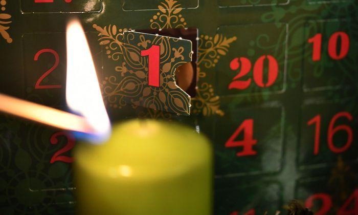 Adventkalender oder Adventskalender? Beide Formen sind richtig.
