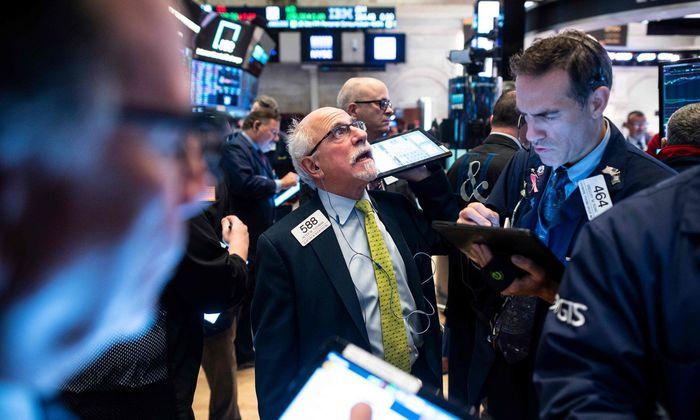 Nachdem die US-Börsen ein paar Tage lang etwas Luft geschnappt hatten, setzten sie am Freitag ihren Höhenflug fort.