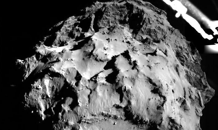 Ein Bild, das Philae während des Landeanflugs auf Tschuri aus drei Kilometern Entfernung schoss.