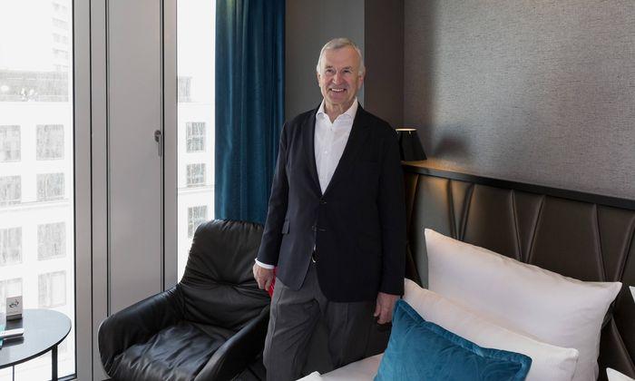 Dieter Müller in einem seiner Hotels.
