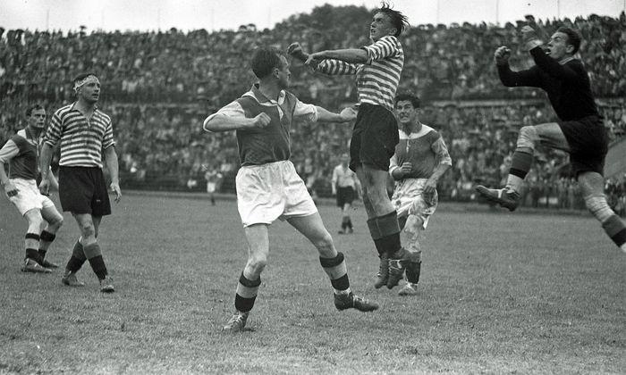 Als das Derby noch Meisterschaften entschied: 1946 siegte Rapid 5:1 und fixierte in der folgenden, letzten Runde den Titel.