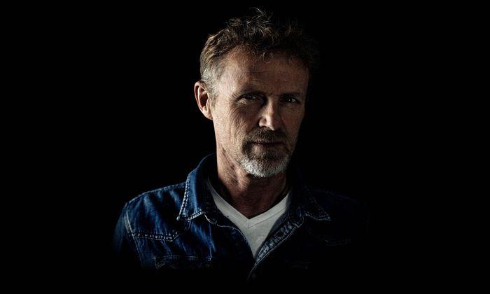 """Jo Nesbø lässt Harry Hole seit 1997 ermitteln. Band zwölf – """"Messer"""" – ist nun auf Deutsch erschienen."""