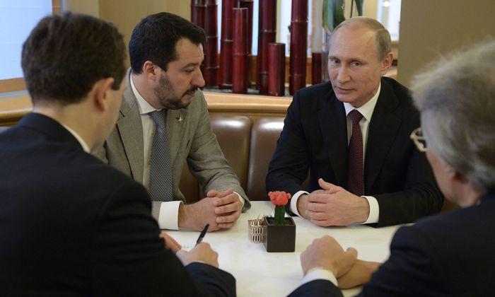 Eine langjährige Beziehung: Matteo Salvini und Präsident Putin im Jahr 2014 in Mailand.